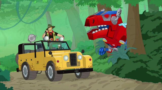 File:BigGame Optimus sneaks up on Quarry.jpg