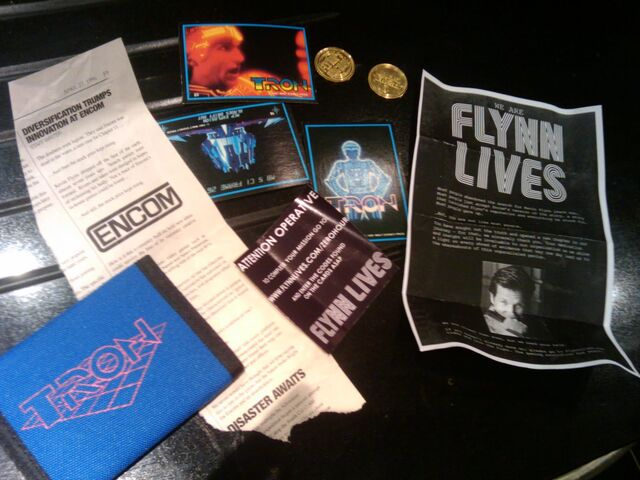 File:Flynn lives tron wallet contents.jpg