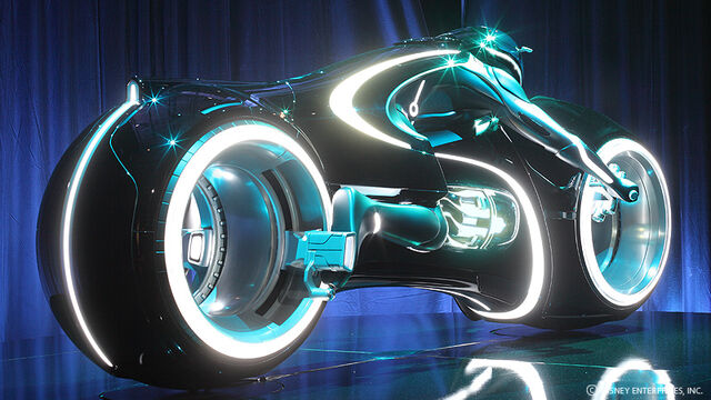 File:TronLegacy DanielSimon gallery LightCycle 04.jpg