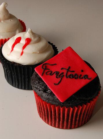 File:Cupcakes.jpg