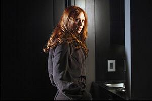 K,NDgyODkwODEsNDc3NzUxNDY=,f,True Blood New Season 2 Photos Jessica Robe