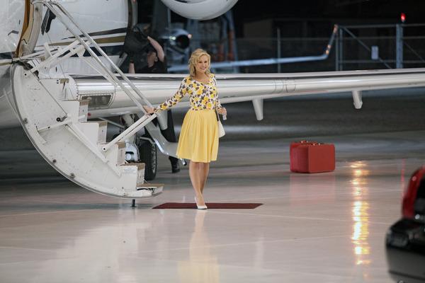 File:Sookie-gets-off-the-plane.jpg