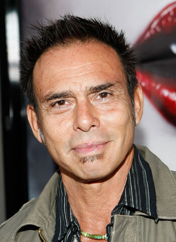 File:Raoul Trujillo Los Angeles Premiere HBO Series R4CSqGP87E0l.jpg