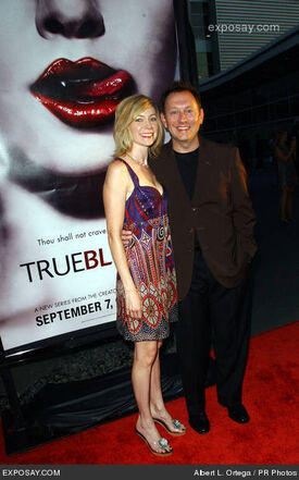 Carrie-preston-and-michael-emerson-hbo-series-true-blood-los-angeles-premiere-arrivals-NhKMLq