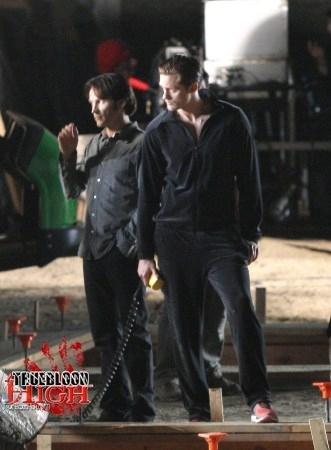 File:-Behind-The-Scenes-true-blood-15357114-331-450.jpg