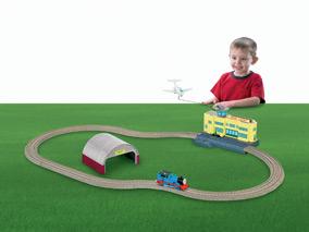 File:TrackMasterThomasattheAirport.jpg