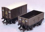 Hornby1980sTruckAndVan