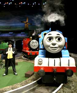 File:Thomasonstage.jpg