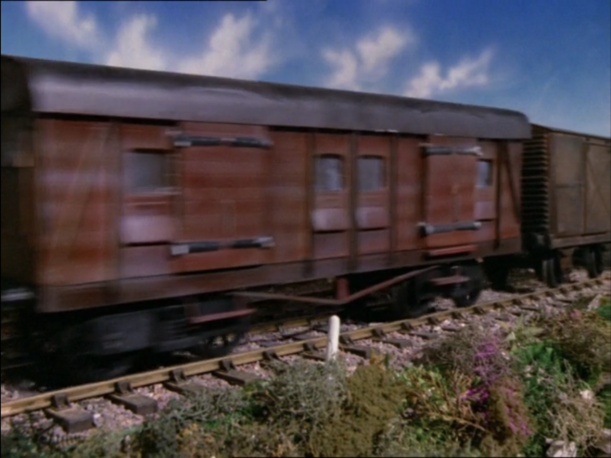 File:ThomasandtheTrucks32.png