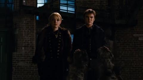 Dakota Fanning Breaking Dawn Part 2 Clip - Jane and Alec!