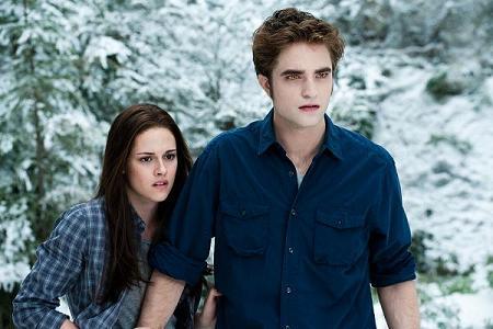 File:Edward and Bella(2).jpg