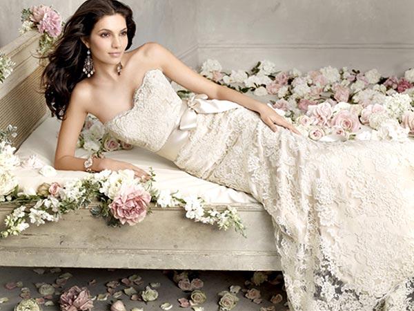 File:Wedding-Dress 01.jpg