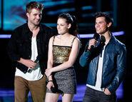 Robert Pattinson Kristen Stewart Taylor Lautner June22newsne