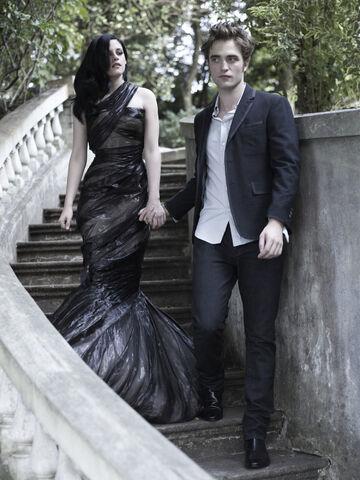 File:Harpers-Bazaar-Robert-Pattinson-and-Kristen-Stewart-photoshoot-1.jpg