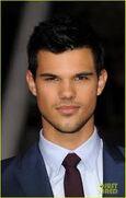 Taylor Lautner(hot)