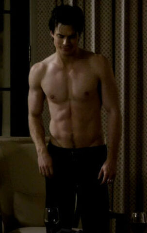 File:Sexy-damon-salvatore-18636196-380-601.jpg