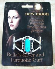 Bella's Silver and Turguoise Cuff