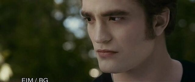 File:Eclipse-Screencaps-edward-cullen-14914086-720-304.jpg