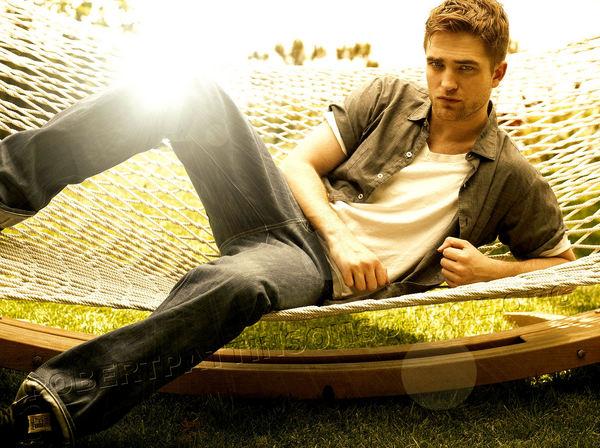 File:Robert Pattinson 156.jpg