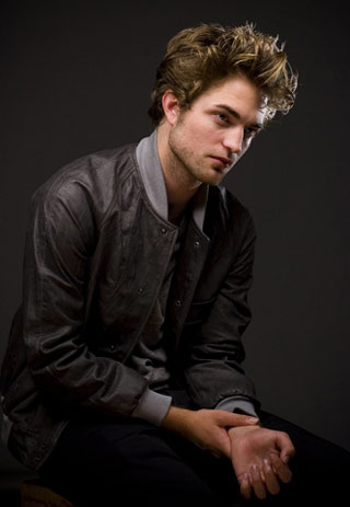 File:Robert-pattinson-12.jpg