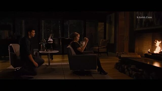 File:Jacob-imprints-Renesmee.jpg