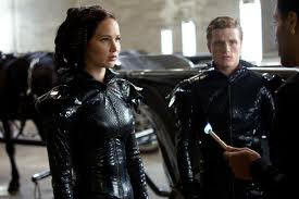 File:Peeta and Katinss on the train.jpg