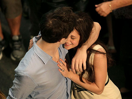 File:Bella and edward 102.jpg