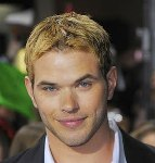 File:Gallery main-kellan-lutz-new-moon-premiere-red-carpet-photos-11162009-01.jpg