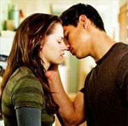 Jacob bella new moon almost a kiss
