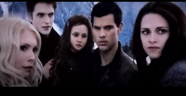 File:Child renesmee21.PNG