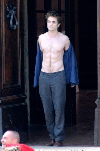 File:PattinsonItaly.jpg