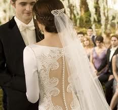 File:Wedding dress oh yeah.jpg