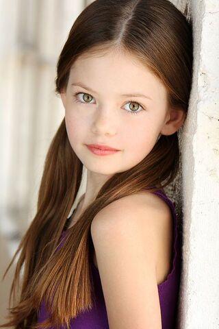 File:Renesmee Cullen 02.jpg