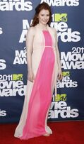 109922-actress-bryce-dallas-howard-who-is-expecting-her-second-child-with-hus