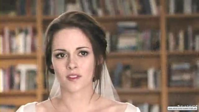 File:Breaking-Dawn-Part-1-TV-Spot-Wedding-Sneak-Peak-kristen-stewart-26179083-640-360.jpg
