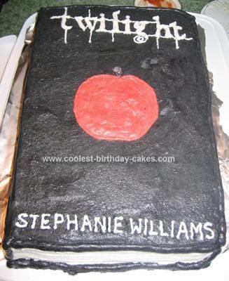 File:Coolest-twilight-book-cake-5-21338906.jpg