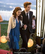 Bella-edward-prom-walk