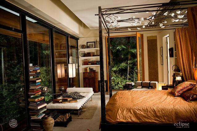 File:Edwards Full Bedroom.jpg