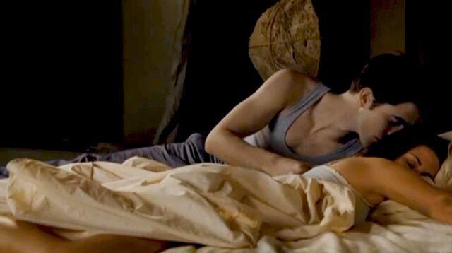 File:Honeymoon on the bed.jpg