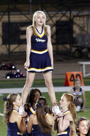 File:Dakota fanning cheerleader.jpg