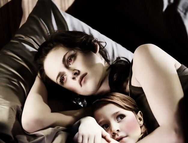 File:Renesmeeandbella.jpg