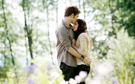 File:Edward and Bella Eclipse.jpg