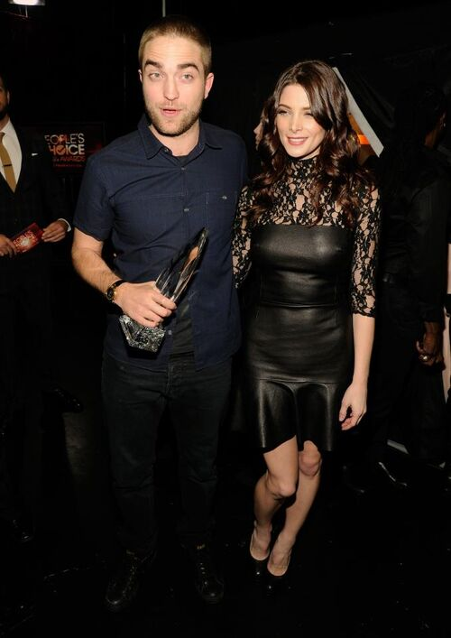 Robert and Ashley at Peoples Awards 2012