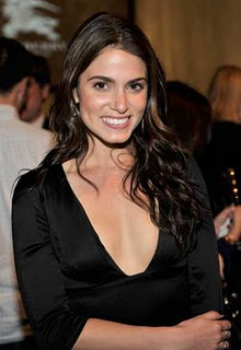 File:Nikki Reed - Burberry.jpg