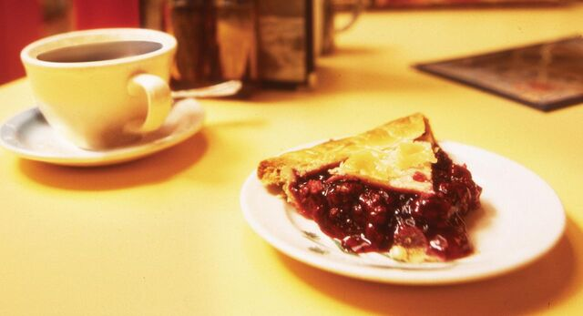 File:008-Coffee-and-Pie.jpg