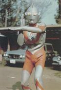 Ultraman B in city