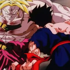 Broly beating up Goahn