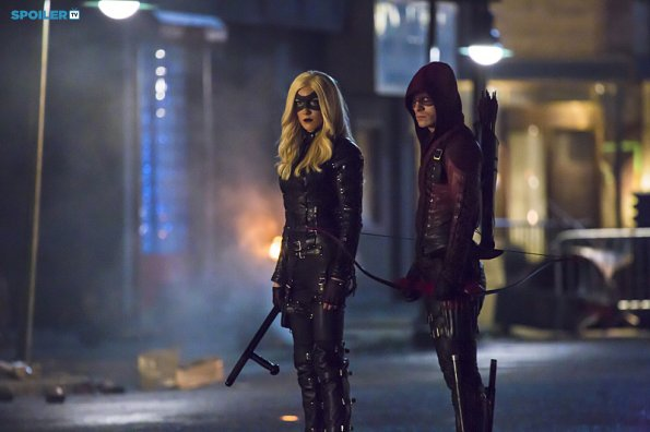 File:Arrow - Episode 3 12 - Uprising - Promotional Photos(b).jpg