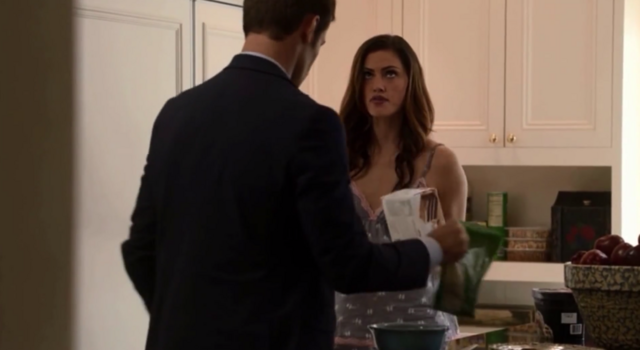 File:Elijah-Hayley 1x6.png