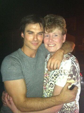 File:Ian on set with fan.jpg